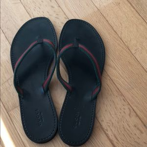 ce8d1a35fb5e4c Gucci Shoes - Authentic Gucci Logo Thong Flip Flop Flat Sandals